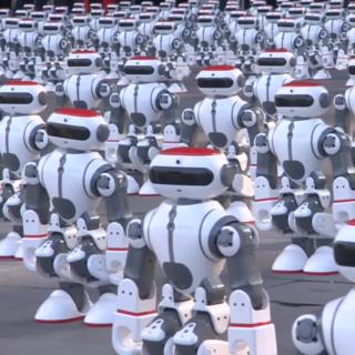 1000 и 69 танцующих роботов