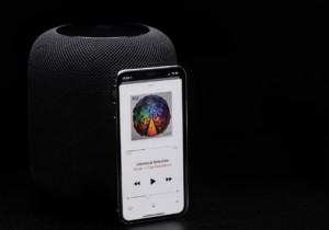 Колонка от Apple HomePod оставляет следы на мебели