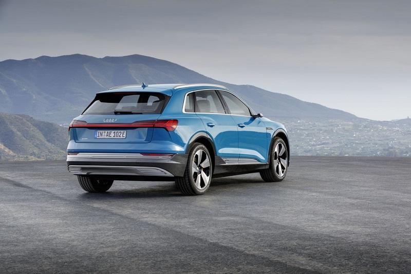 Электрокар Audi-E-Tron