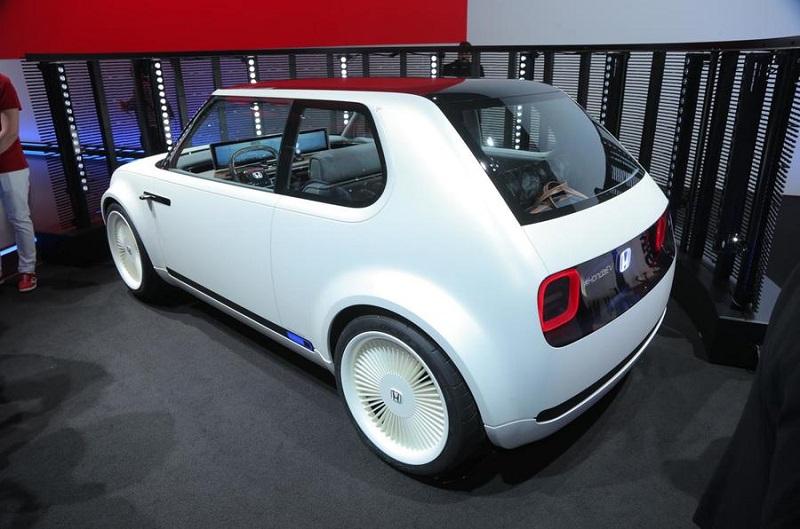 Электромобиль Honda Urban EV