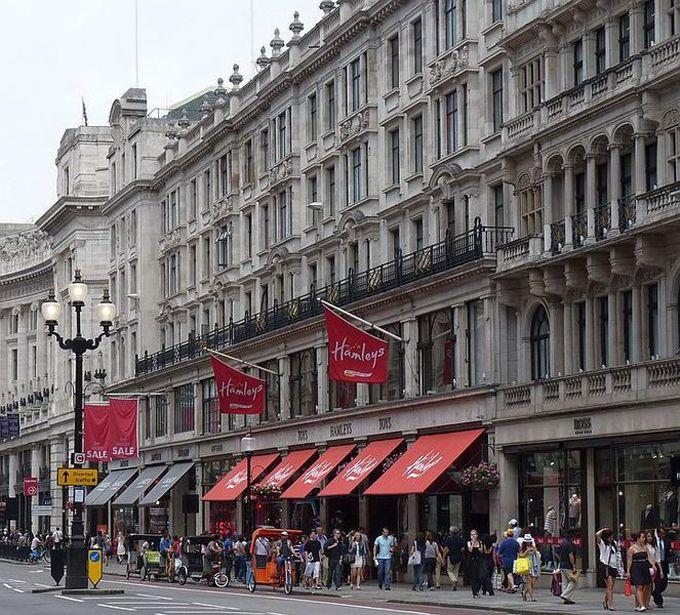 Hamleys - туристическая достопримечательность Лондона