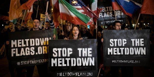 «Meltdown Flags» визуализирует таяние ледников