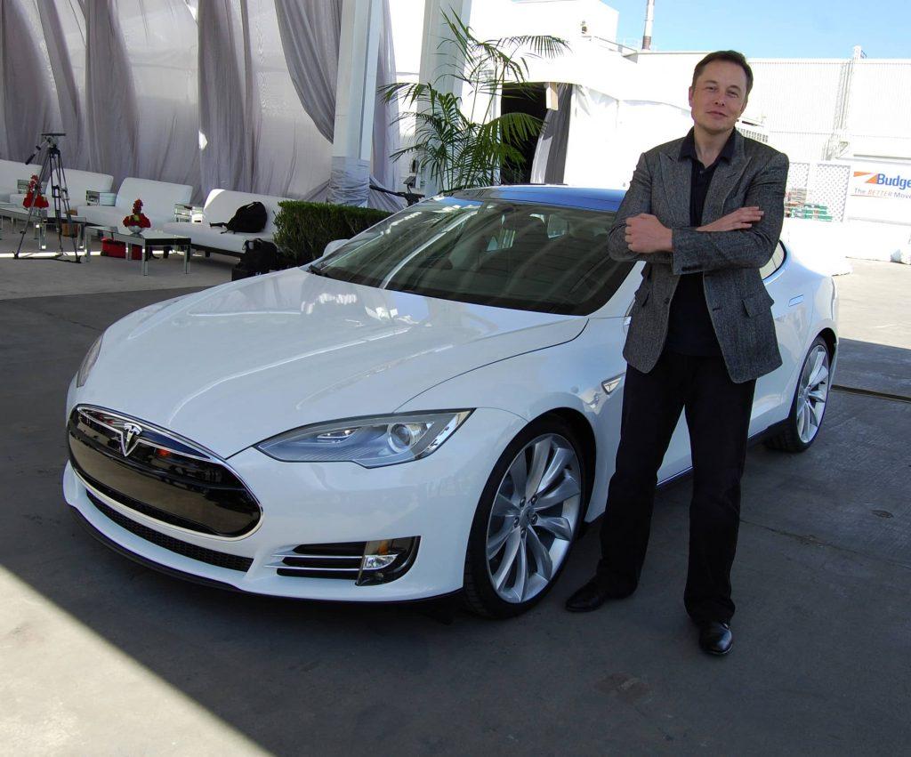 Илон Маск на заводе Tesla во Фримонте