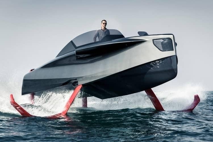 яхта Foiler