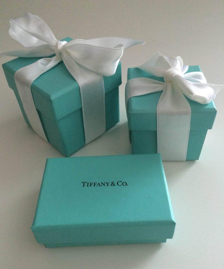 Голубые коробочки Tiffany иногда привлекают больше внимания, чем украшения