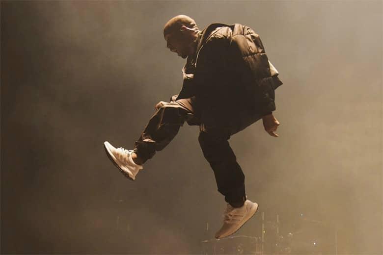 Выступление Канье Уэста на Billboard Music Awards взорвало рынок белых кроссовок в США