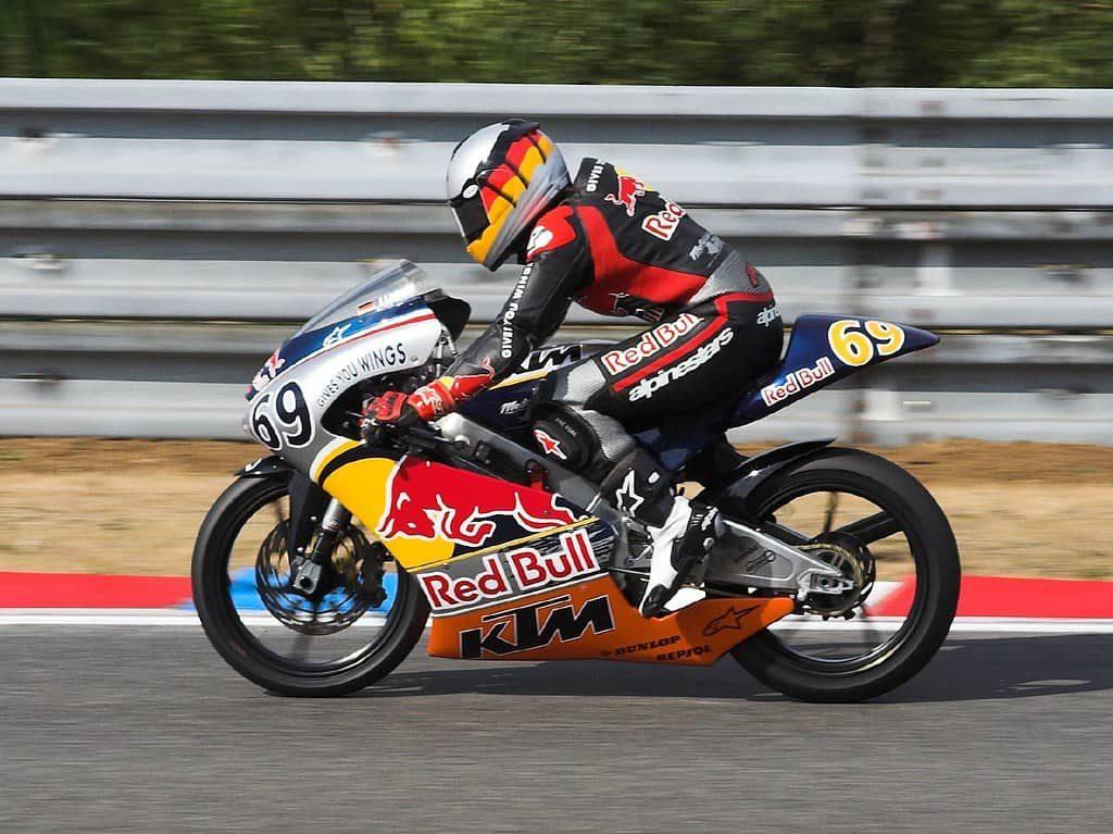 RedBull мотоцикл